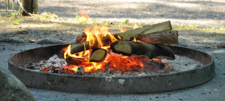 Feuer, Feuerstelle, Brennholz, Aserfeuer